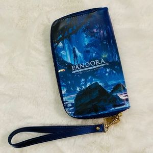 Disney Bags - New Disney Pandora Avatar Light Up Wristlet clutch